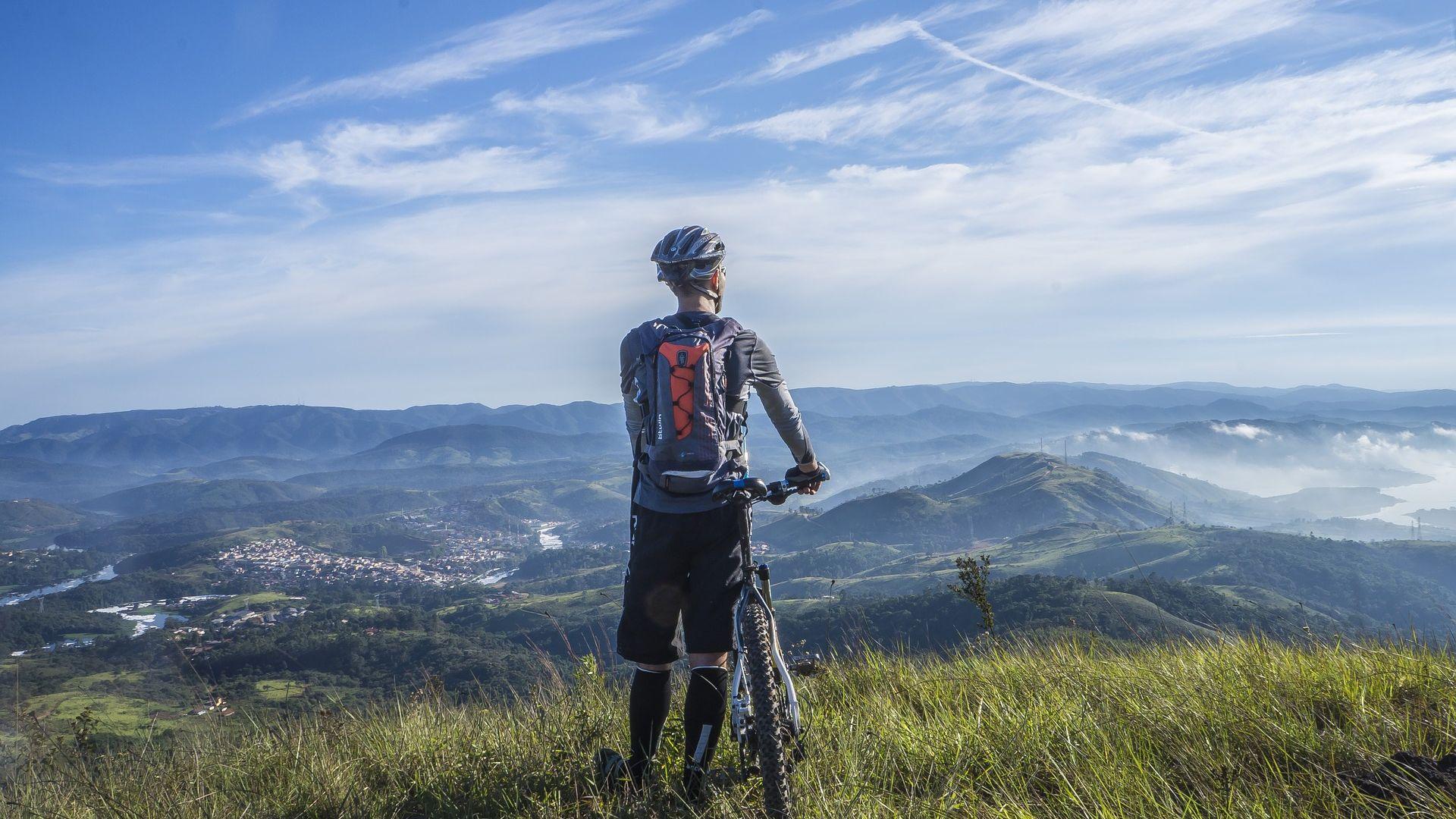 A vélo en Auvergne, entre montagne et rivière